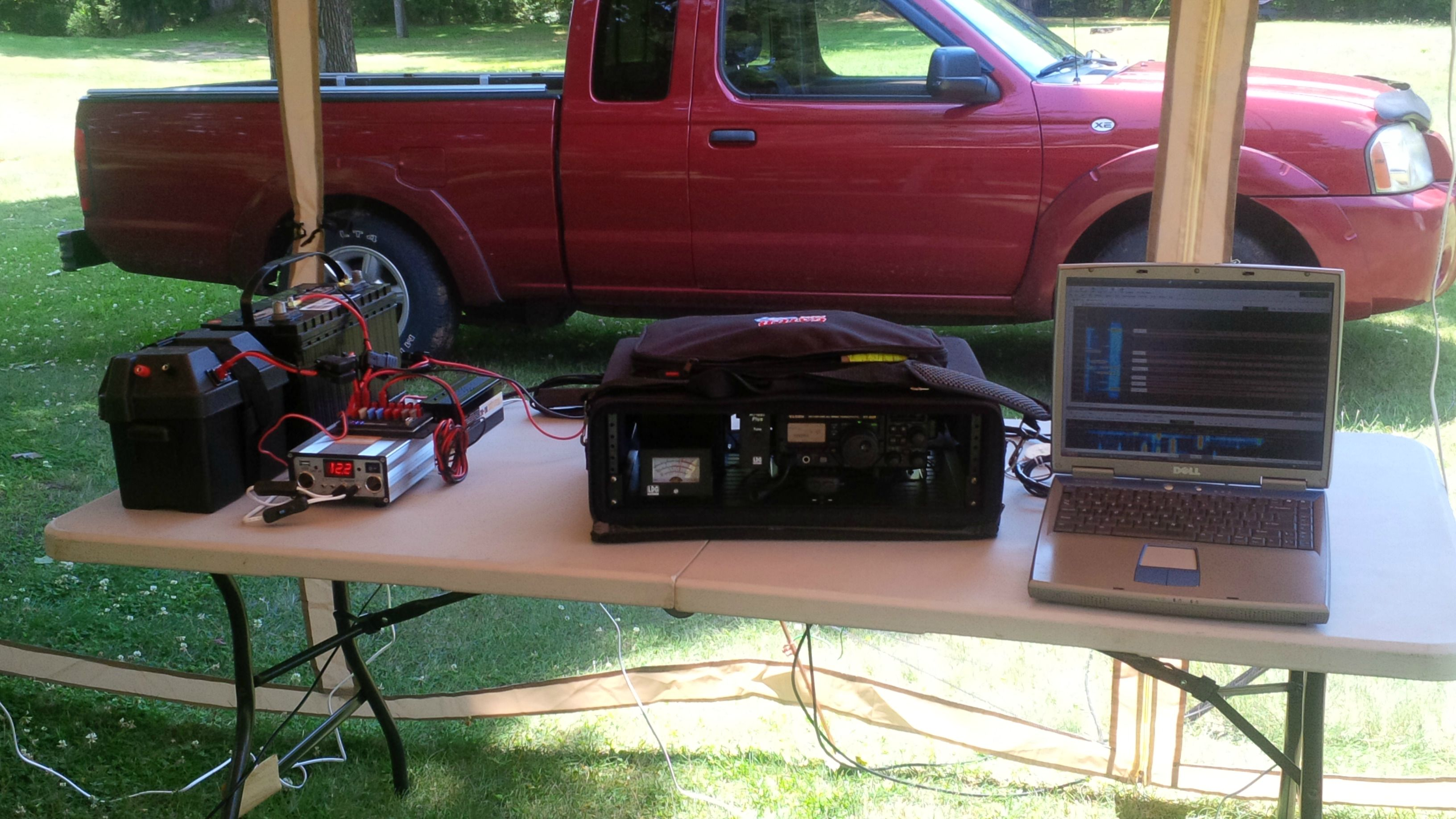 3-k2jji-field-day-2014-5a-nny-digital-station-op-table