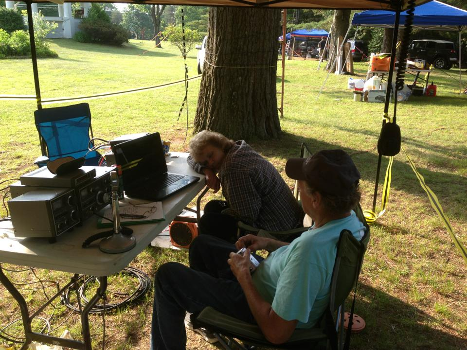 Ray K2RND and Ellen KC2UQI at the 20m Station